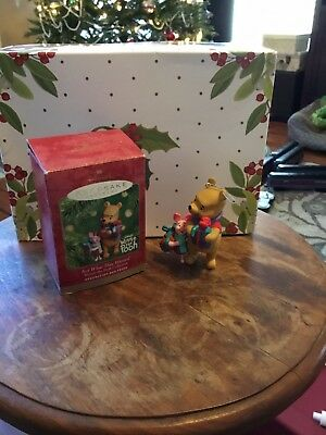 Winnie the Pooh Hallmark Keepsake ornament-Just What They Wanted! with Piglet