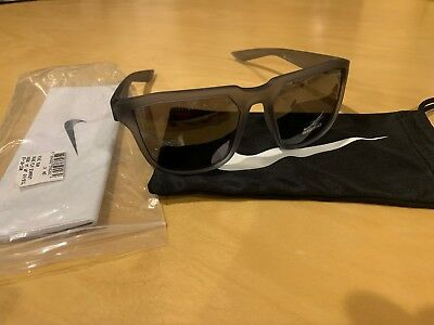a65cbd5e2c Nike Mens Fly Matte Wolf Grey Silver with Grey Silver Flash Lens Sunglasses