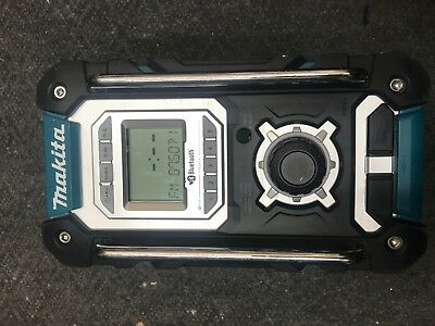 Makita DMR108 AM/FM Site Radio with Bluetooth with battery no AC adapter