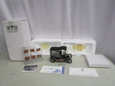 The Franklin Mint*1913 COLT MODEL T DELIVERY TRUCK* *WITH INSERTS* 1:16 *Damaged