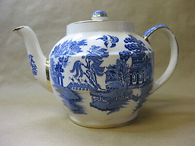 Vintage Sadler Teapot ~ Willow Pattern / Gilt ~ Blue & White ~ Full Size