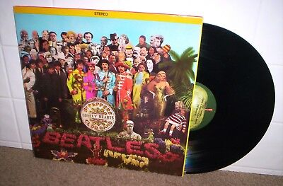 THE BEATLES  SGT PEPPERS LP on APPLE  PRISTINE w/ Insert MINT-