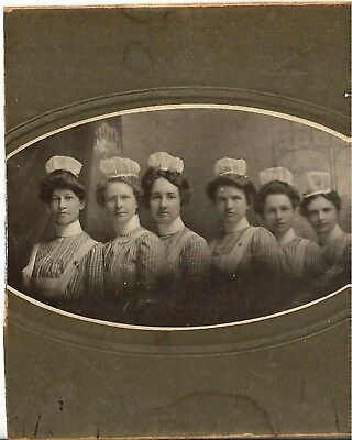 Vintage Cabinet Card Of Group Of Nurses In Uniforms Oval Picture