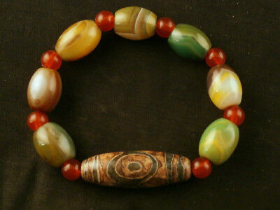 Fine Tibetan Agate Dzi Beads Prayer Bracelet W/Dzi *Tiger Tooth 3Eyed* Bead H110