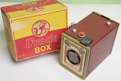 German 'vrede Box' 120 Box Camera In Red - With Original Box