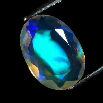 Good Flash 1.01ct Oval Natural Play-of-Color Crystal Welo Opal, Ethiopia