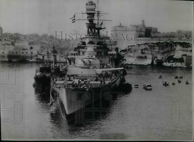 1942 Press Photo Ships at Malta's Harbor