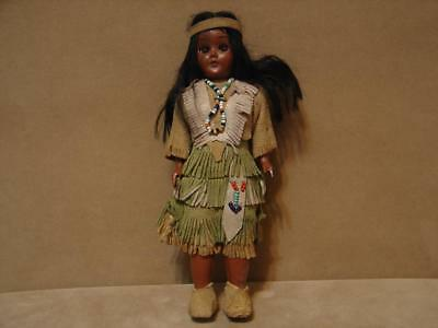 """Vintage Eskimo Native American 7 1/2"""" Doll With Baby"""