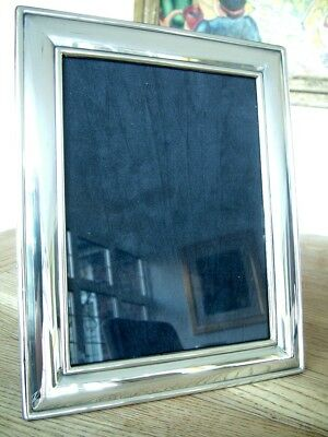 """VINTAGE 8"""" x 6"""" ENGLISH HM1995 SOLID SILVER PHOTO PICTURE FRAME CARRS NO RES"""