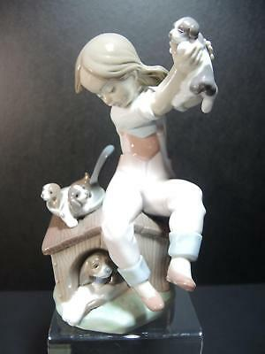 Vintage Lladro Figurine - Pick of the Litter #7621 With Box