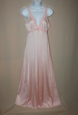 Vintage Vanity Fair Size 34 Long Full Length Pale Pink Nightgown Lace Sleeveless