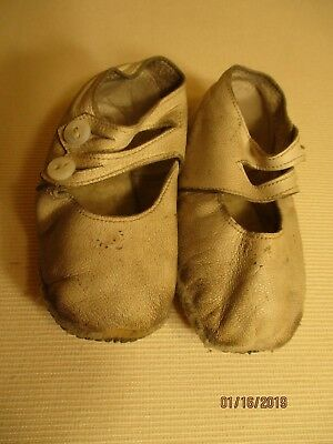 Antique single strap 2 buttons baby shoes white leather