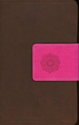 NIV Real-Life Devotional Bible for Women, Compact: Insights for Everyday Life,