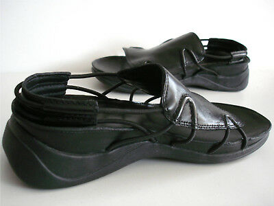 71089e24c6f Unusual Womens clarks springers black sandals size 5.5 worn once