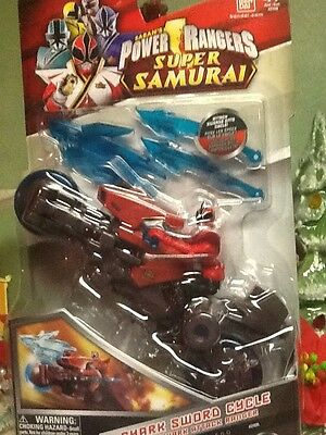 Power Rangers Samurai Shark Sword Cycle with Shark Attack Ranger Vehicle Action