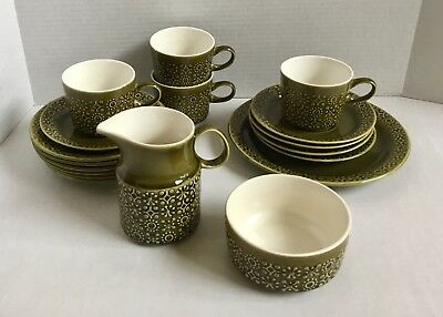 Lot of 18 pieces Connemara Green Ireland Irish Earthenware Celtic