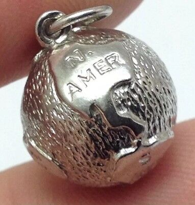 VINTAGE SIGNED ROC STERLING SILVER WORLD GLOBE CHARM 4.66g.   (E13)