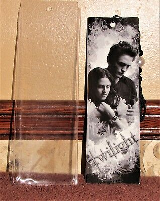 TWILIGHT SAGA EDWARD and BELLA BLACK and WHITE BOOKMARK in PLASTIC SLEEVE