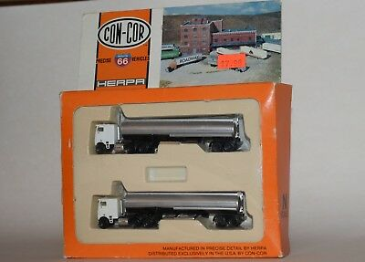Con-Cor - N Scale - 2 Tractor Trailer Tankers - NEW