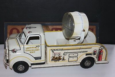 VERY NICE 1950's MARX METAL LITHOGRAPHED EMERGENCY SEARCHLIGHT TRUCK