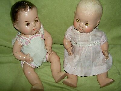 """PAIR 1930s compo sgnd. Madame Alexander, DIONNE QUINT 11"""" baby dolls tgd. outfit"""
