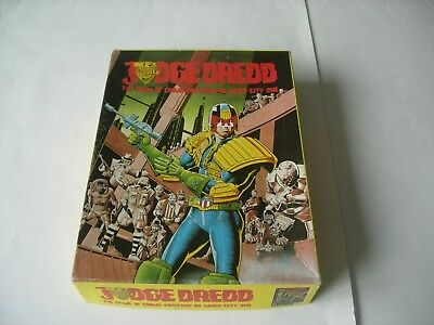 JUDGE DREDD – Complete in excellent condition.