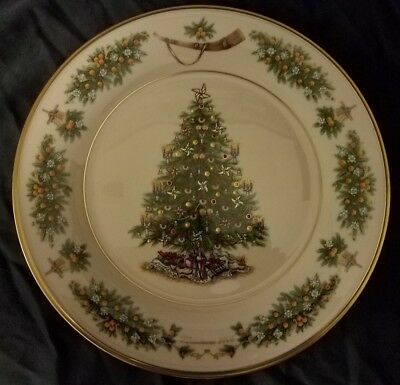 Lenox Christmas Trees Around the World Decorative Plate 2002 The Netherlands