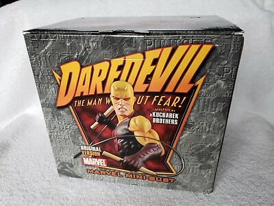 Bowen Designs Daredevil Classic Ver Mini Bust YELLOW #1202 of 2800 Broken Arm