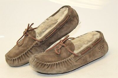 9e9a17f9274 UGG AUSTRALIA UGGS Womens 9 40 Dakota Sheepskin Moccasins Slippers Shoes  5612 mb
