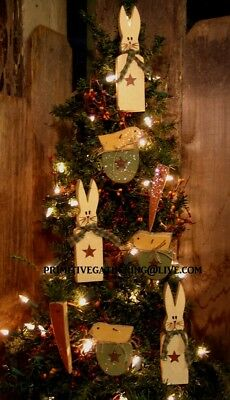 = 8 Primitive EASTER BuNNY RaBBiT Carrot CHiCK EGG SPRiNG Wood Ornies Ornaments