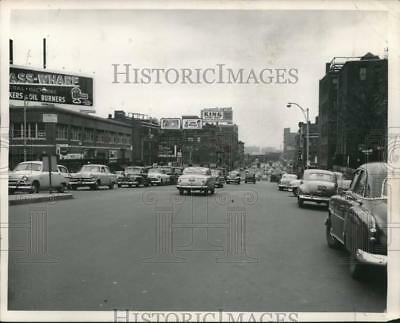 1953 Press Photo The busy street of Cambridge that links Boston and Cambridge