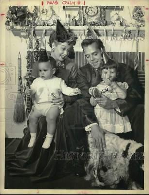1953 Press Photo Actress & Comedienne Lucille Ball with her family - hcp21532