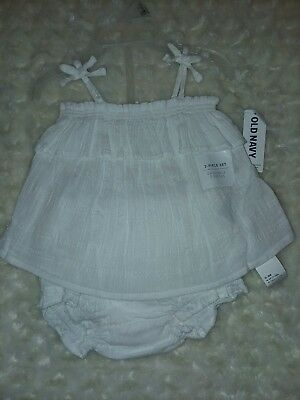 Old Navy 2 Pc White Gauze Ruffle Set Outfit Sz 0-3 Months NWT Top Shorts