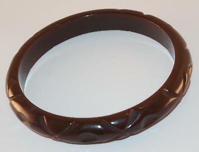 e5f8da43cfc67 VINTAGE CHOCOLATE BROWN Bakelite Deeply Carved Rounded Band Bangle Bracelet
