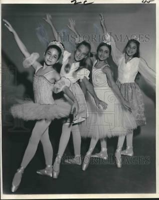 1968 Press Photo Four Young Ballerinas in Tutu's at Children's Dance Theater