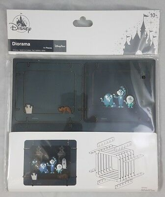 Disney Parks Haunted Mansion Hitchhiking Ghosts Diorama 3D 14 Pcs WDW Attraction
