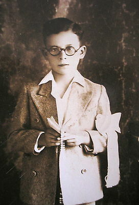 EARLY 1900's BOY BEIGE COMMUNION SUIT w/GLASSES PHOTO PC