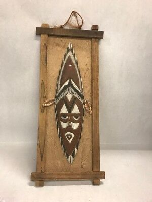 Vintage wood Mask wall hanging warrior tribal Ancient Aborigne new Guinea shells