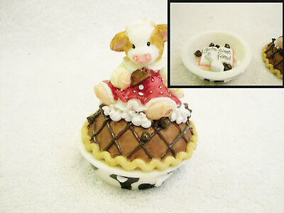 """MARY'S  MOO MOOS  """"Your A Sweet Friend""""  Cow on Cherry  Pie 2 Piece   # 372730"""