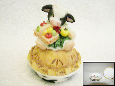 """MARY'S  MOO MOOS  """"Your The Spice Of My Life""""  Cow on Pie 2 Piece   # 372730"""