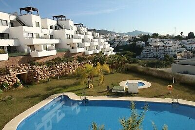 Modern holiday apt in NERJA Andalusia - pool - Wifi - air con - parking - centre