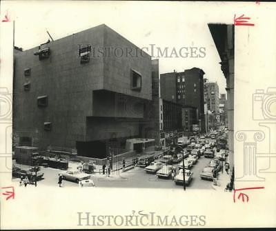 1967 Press Photo Whitney Museum pyramid at East 75h and Madison Ave., New York