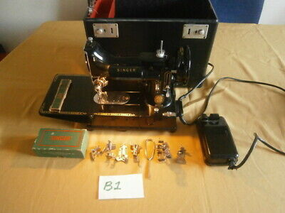 Vintage Singer Featherweight 222K Sewing Machine In Case & Accessories See Video