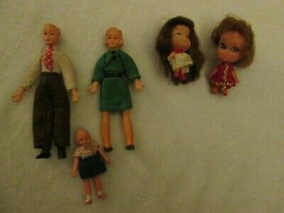 Lot of 5 small Dolls - Dollhouse Family & 2 Vintage Kiddle Type Dolls
