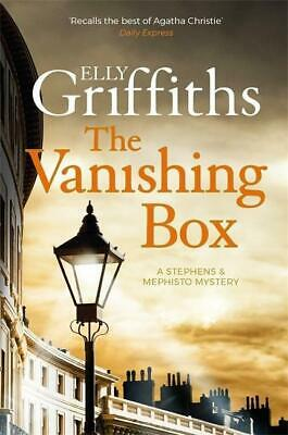 The Vanishing Box - Elly Griffiths -  9781784297015