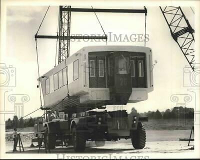 1962 Press Photo Assembly Body Drop - mating of Airport Mobile Lounge to chassis