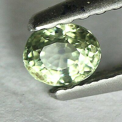 0.27 cts.3.9 x 3.2 mm.NATURAL GREEN SAPPHIRE OVAL MADAGASCAR