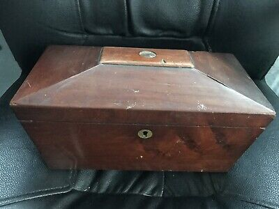 A Antique Oak Jewellery Box & Costume Brooches