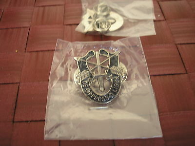 1 inch ARMY HAT PIN REPLICA SPECIAL FORCES CREST