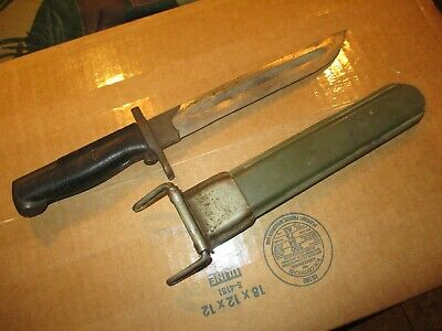 WW2 Fighting knife w. scabbard from Navy WW2 Vets estate